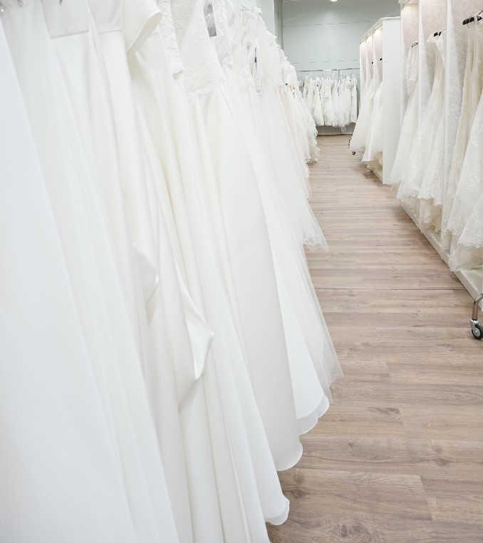 7b8de3085fec Nästintill alla våra besökare finner sin klänning hos oss!