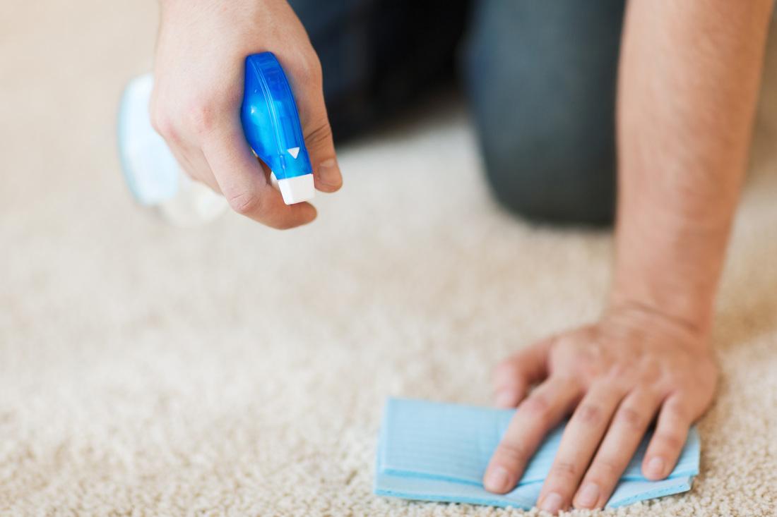 Как удалить лак для ногтей с ковра быстро