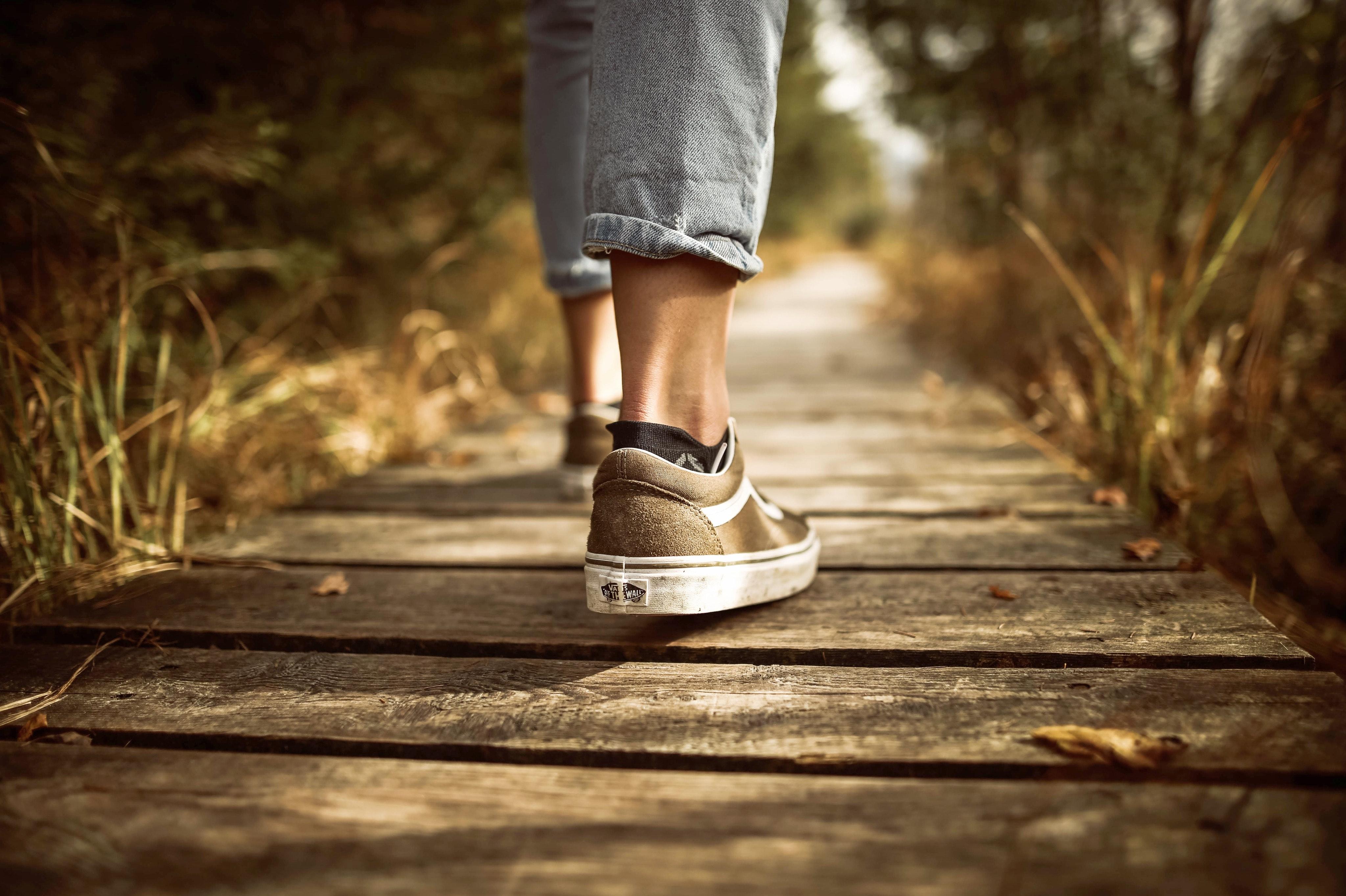fashion-footwear-grass-631986jpg