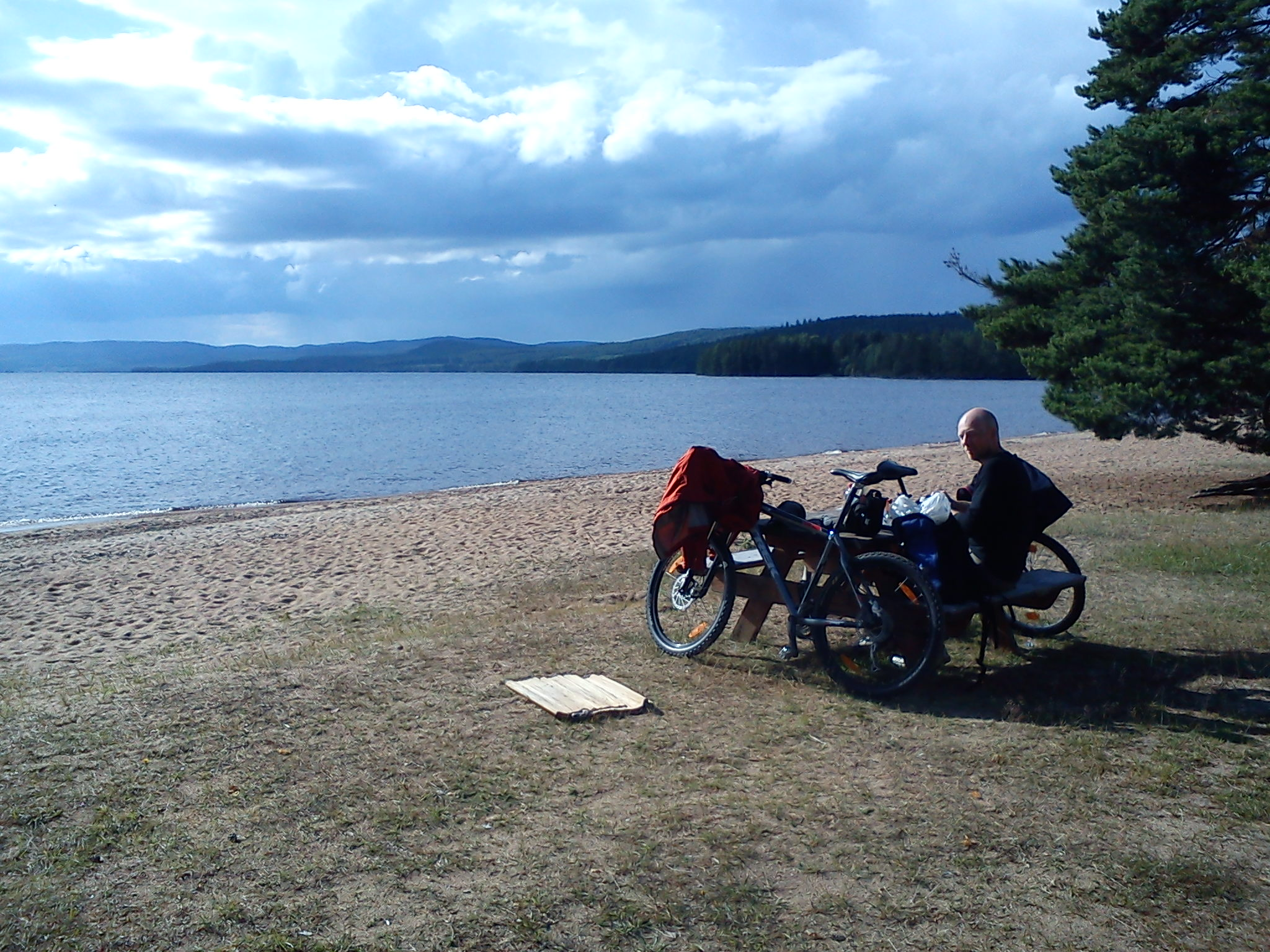 A bike trip around the nort of Dellen Lakes at the beach of Ora