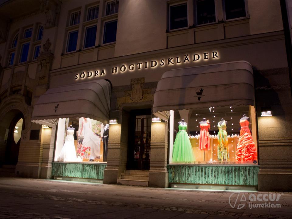 4f2cb7c0ec72 Maggie Sottero Rosamund; Butiken på Odd Fellow palatset Gustav Adolfs torg  51